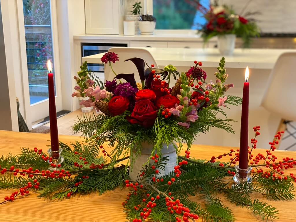 Mulled Wine floral at home with candles